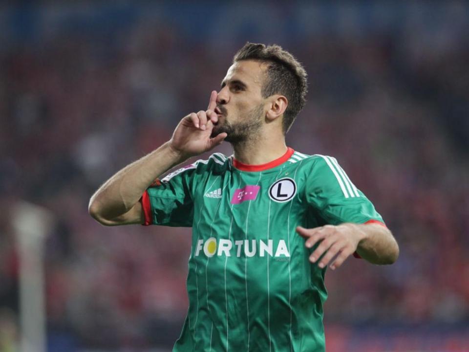 Bélgica: Orlando Sá titular na derrota do Standard Liège