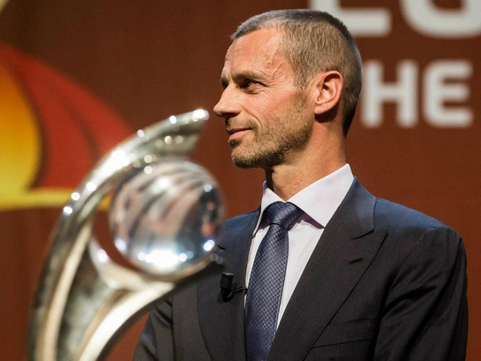 Presidente da UEFA prevê implementação do VAR em 2019/20