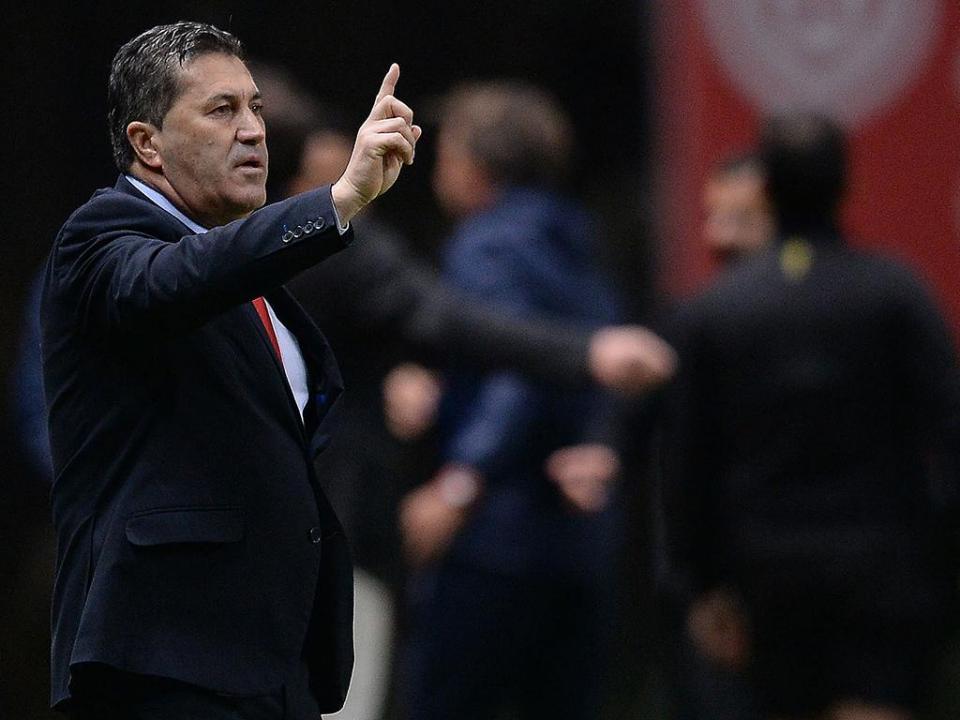 José Peseiro: «Talvez o Santa Clara merecesse o prolongamento»