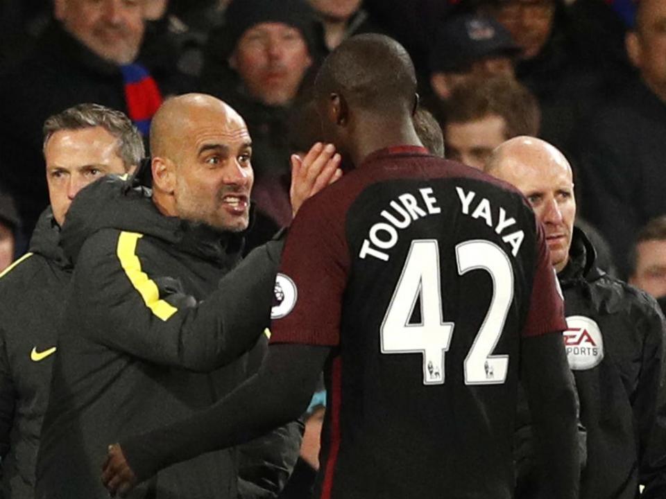 Touré: «Guardiola finge não ter problemas com jogadores de cor»