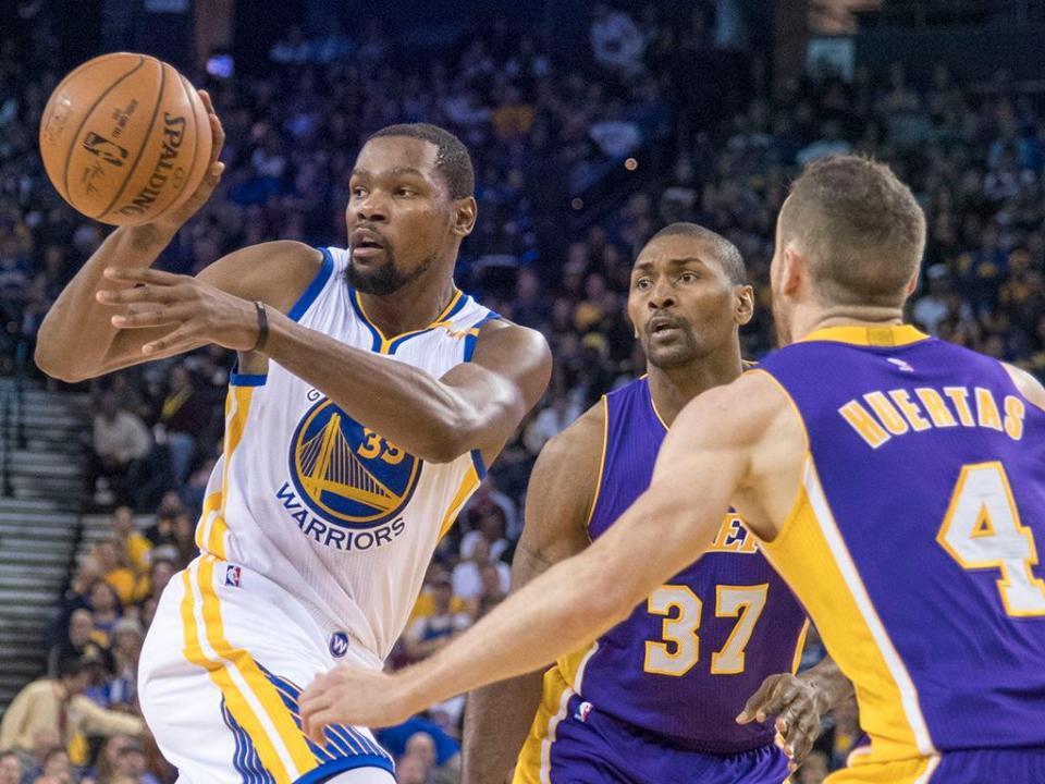 NBA: Warriors saem de Washington com derrota e sem Durant