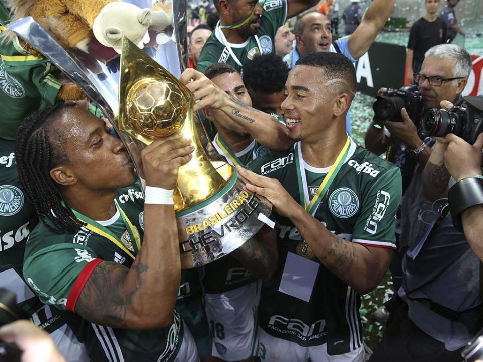 Brasileirão: 17 jornadas, 16 trocas de treinador