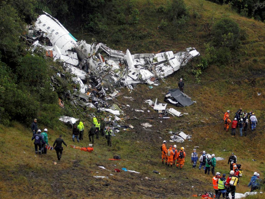 Investigação aponta sobrecarga e plano de voo irregular em voo da Chapecoense