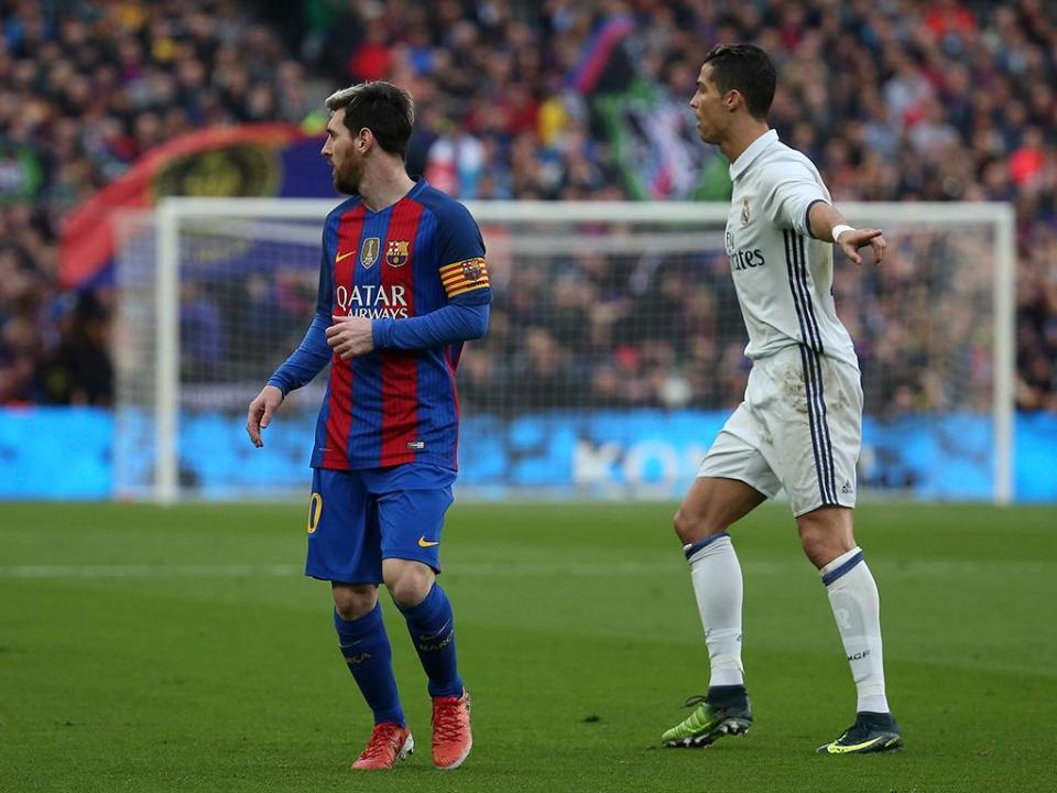 «Messi é um jogador sem defeitos, Ronaldo é imponente»