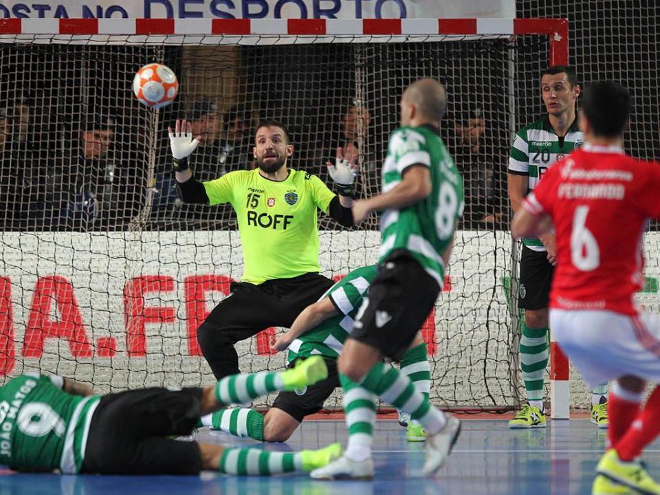 Futsal: Sporting renova com Marcão
