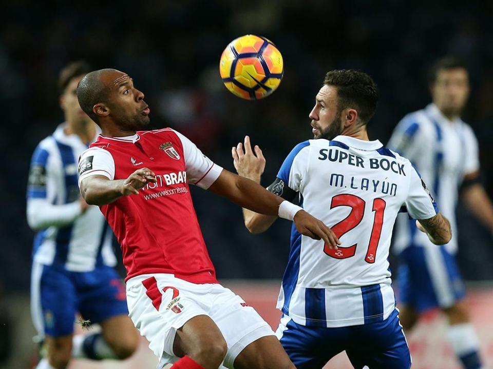 FC Porto: Nuno não leva Layún e Depoitre à Luz