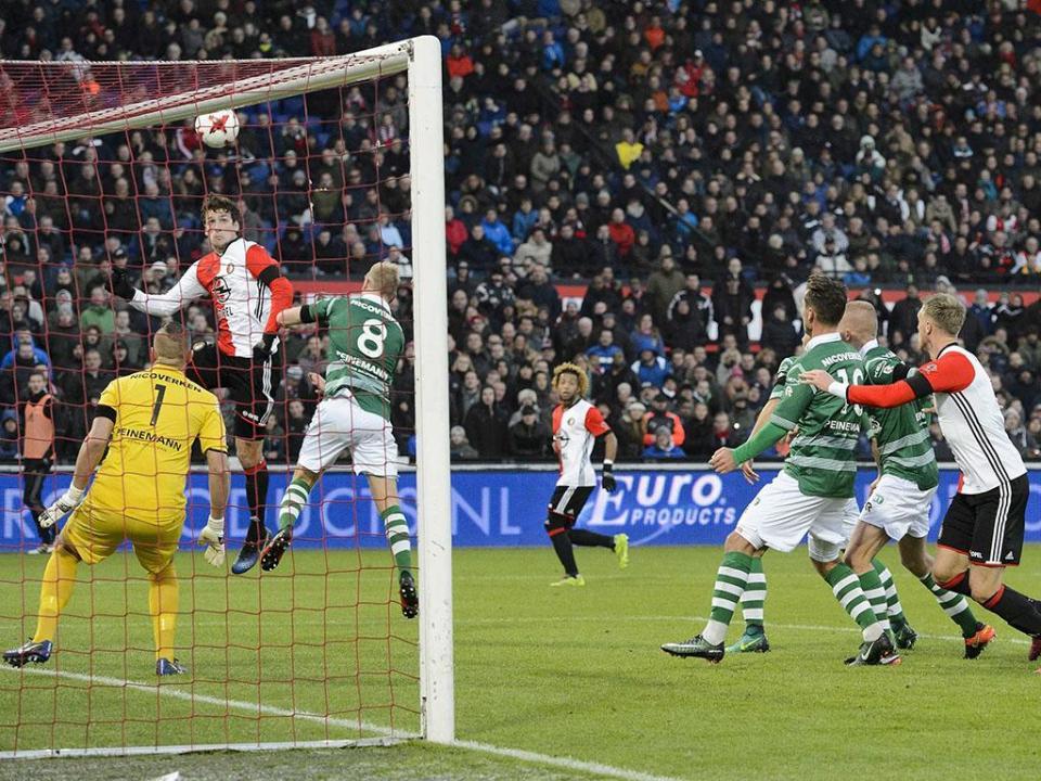 Holanda: Feyenoord reage a derrota com goleada por 8-0 (!)