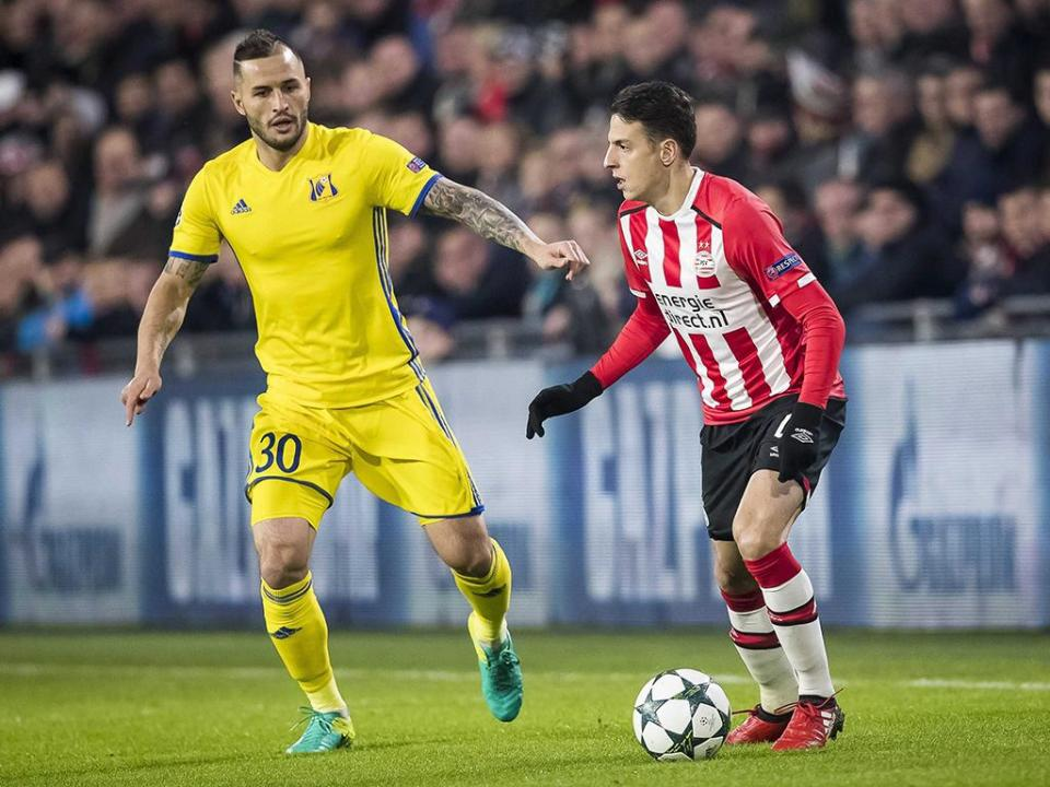 PSV goleia e coloca um pouco de pressão sobre os rivais