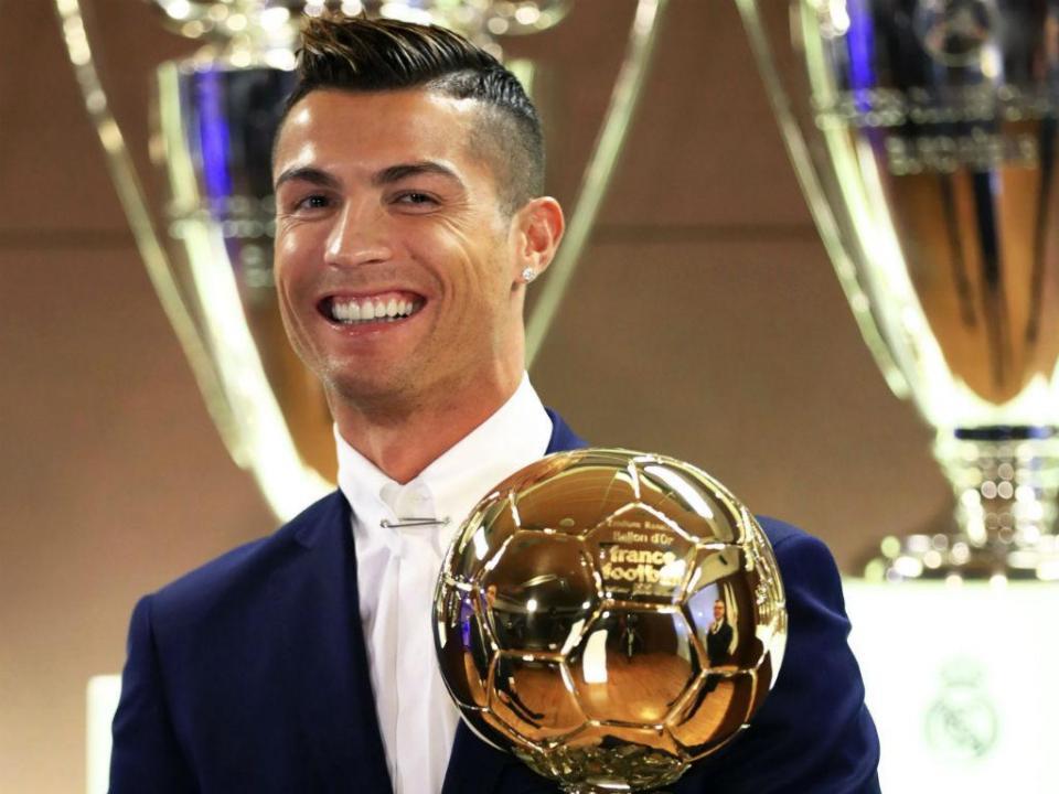 Cristiano Ronaldo vence quinta Bola de Ouro