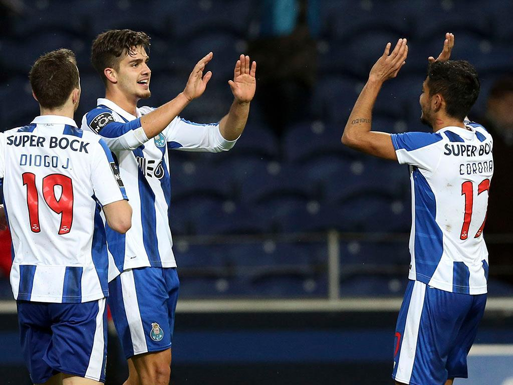 FC Porto-V. Setúbal (onzes): Corona direto à titularidade