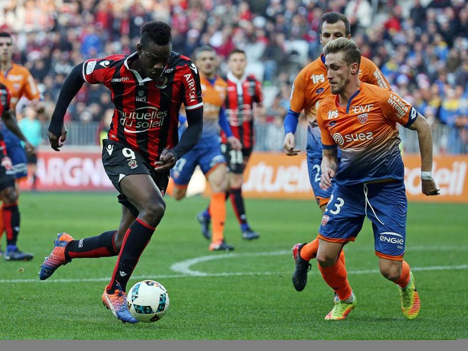 Bastia: adepto que insultou Balotelli proibido de entrar no estádio