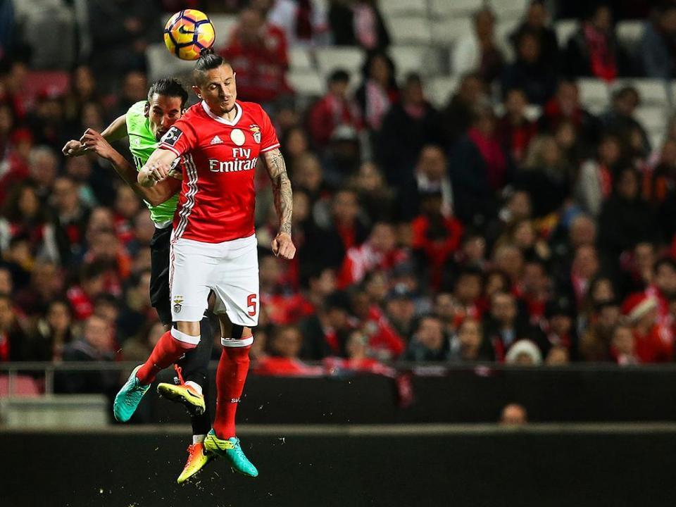 Moreirense-Benfica (onzes): Grimaldo e Fejsa de início