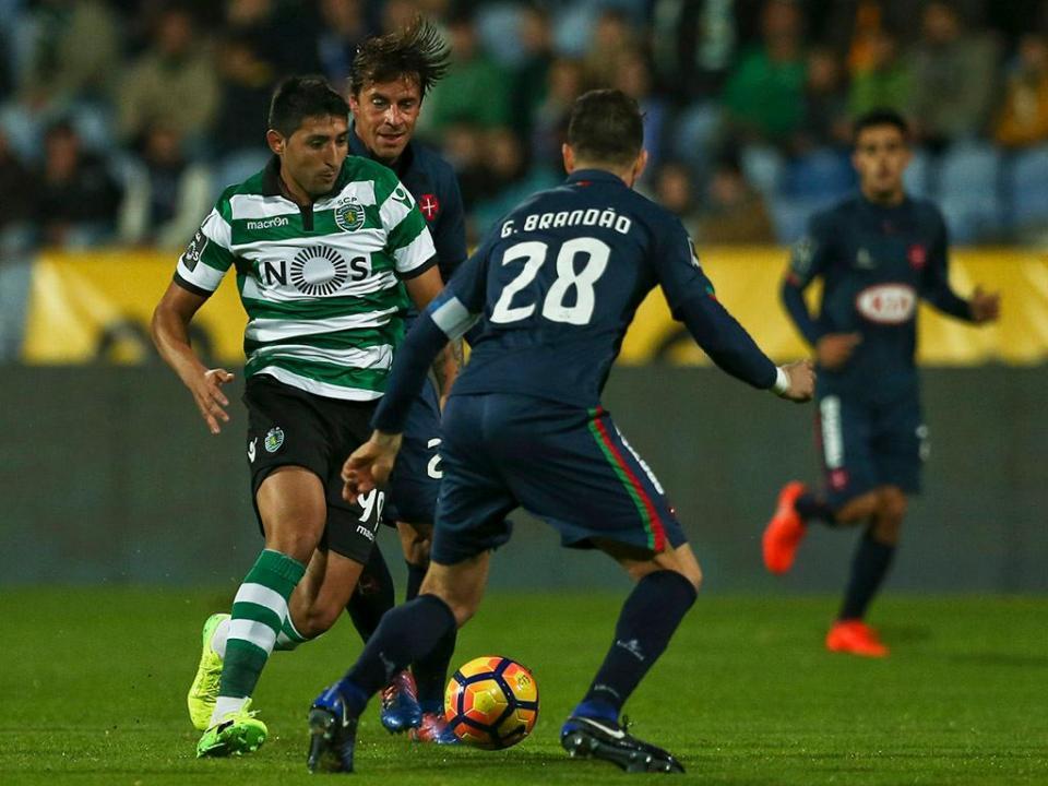 Sporting Feirense: Sporting-Feirense: Alan Ruiz No Onze Titular (oficial