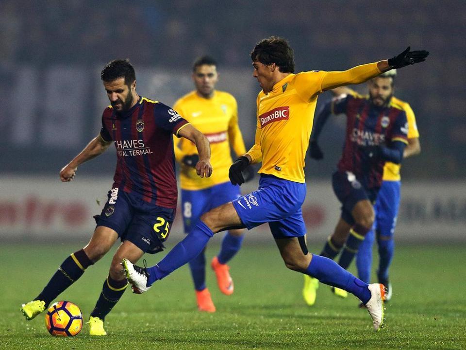 Opção de compra expirou mas Estoril não desiste de João Afonso