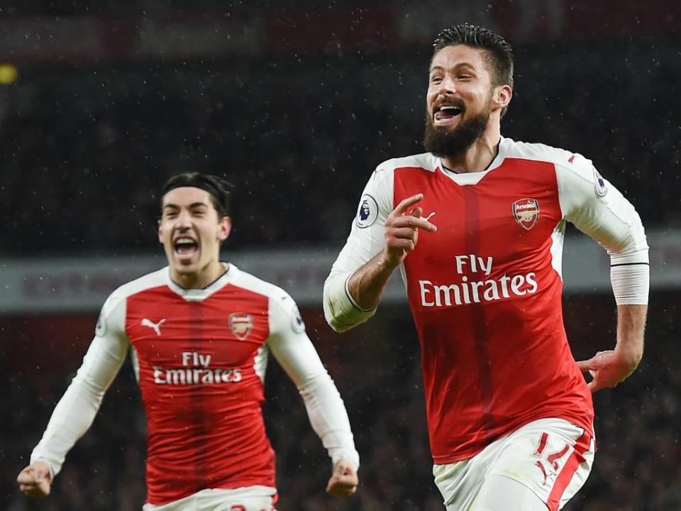 Giroud evita derrota do Arsenal no St. Mary's