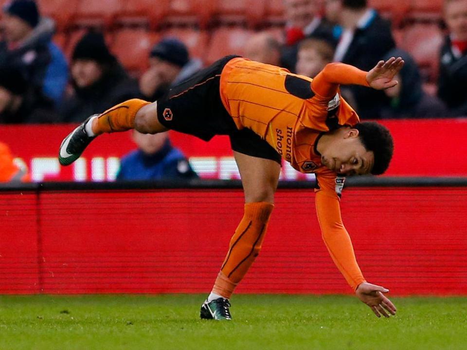 Golo de Hélder Costa em mais uma vitória do Wolverhampton