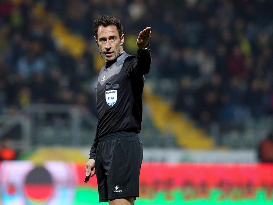 OFICIAL: dois portugueses no vídeo-árbitro do Mundial 2018