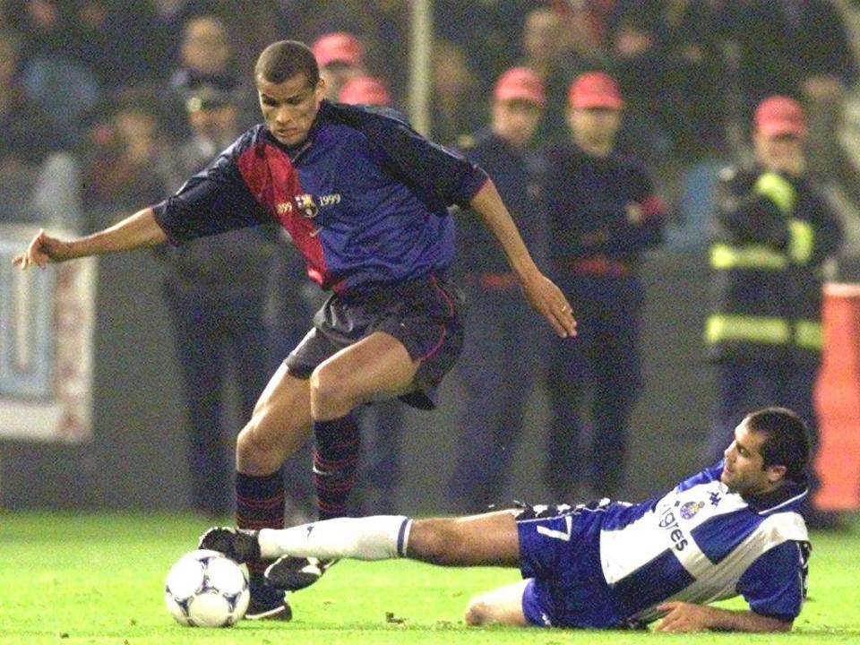 OFICIAL: genro de Rivaldo assina pelo Estoril