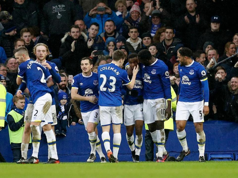 Inglaterra: Everton contrata esperança alemã