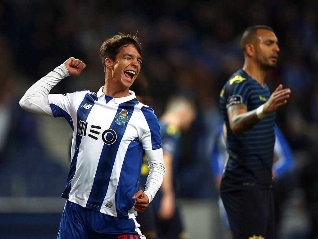 Dragões confirmam que terão de comprar o passe de Óliver — FC Porto