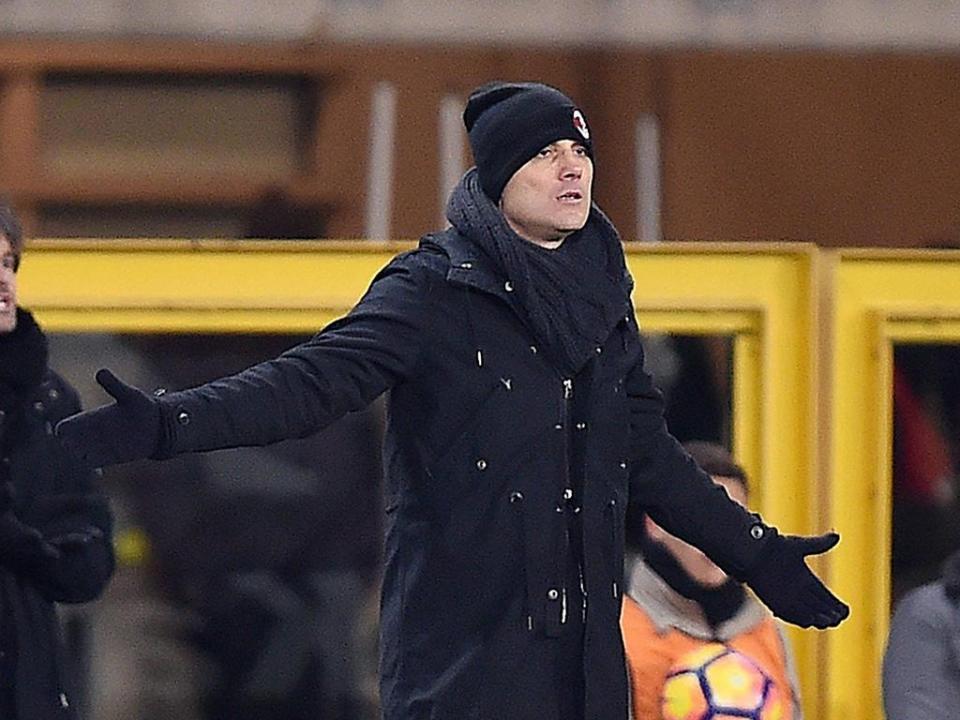 OFICIAL: Montella renova com o Milan
