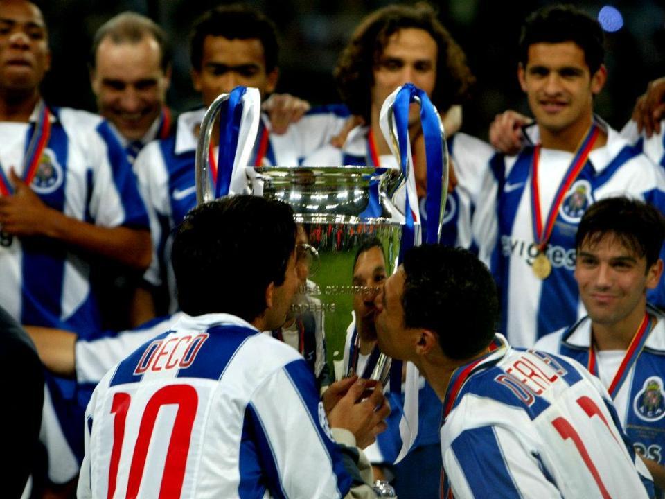 «Adiei várias vezes a saída do FC Porto à espera do Barcelona»