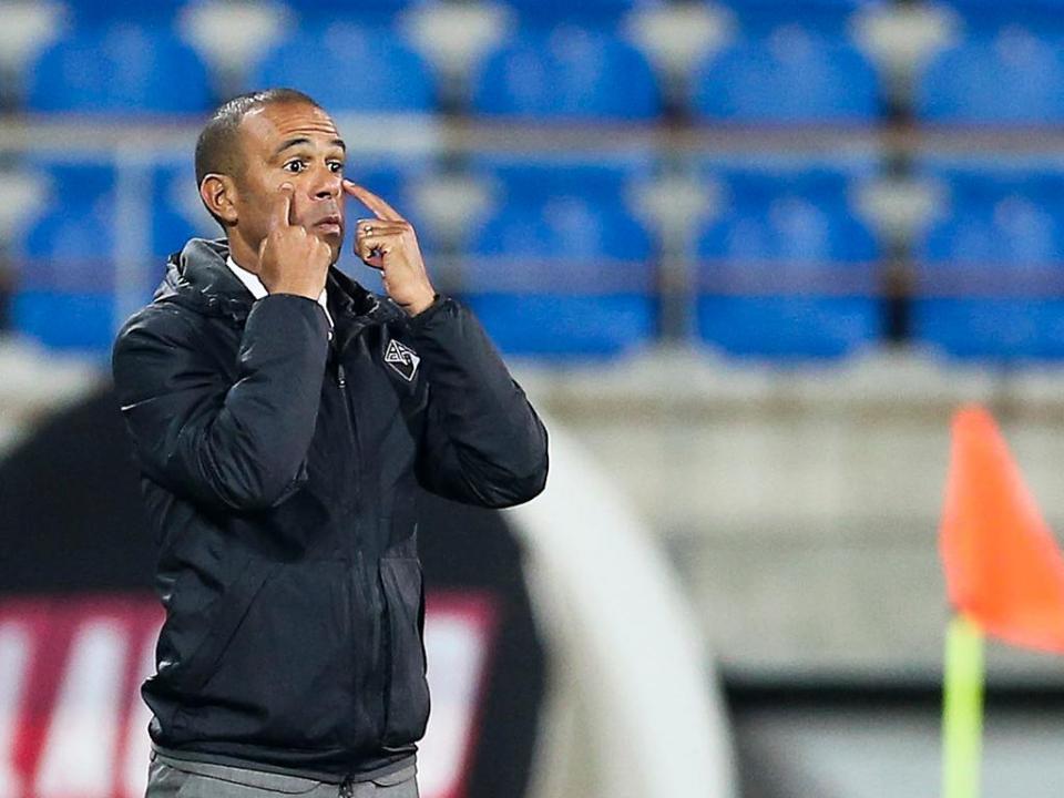 OFICIAL: Costinha é o novo treinador do Nacional