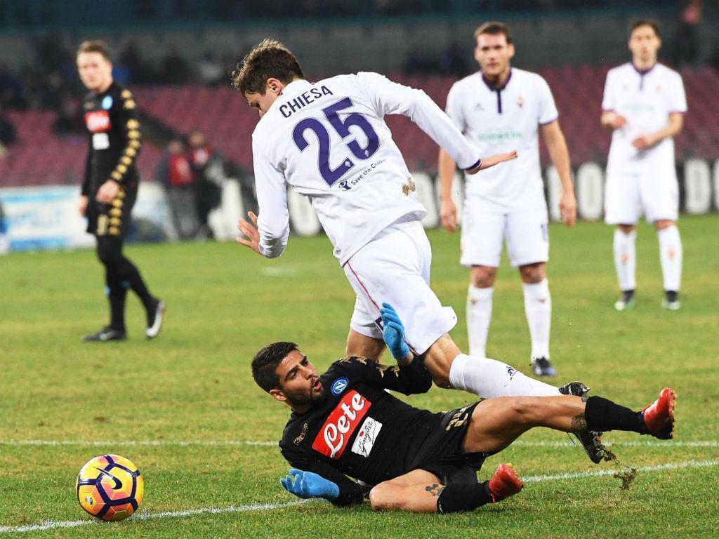 Napoli vence Fiorentina e se classifica para semifinal da Copa da Itália
