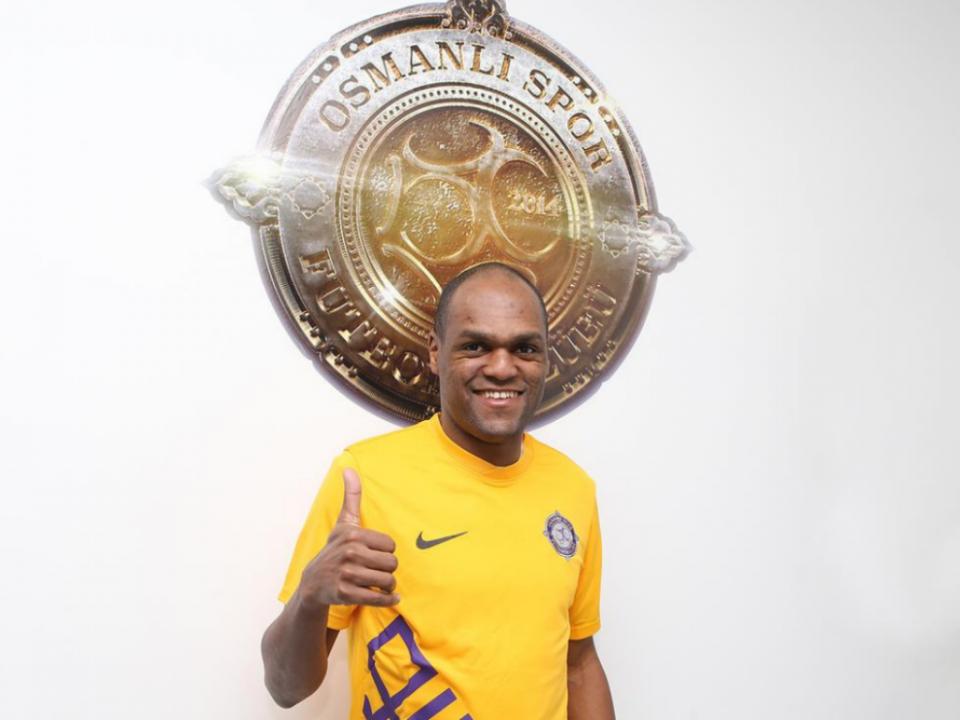 OFICIAL: Luiz Carlos reforça Osmanlispor