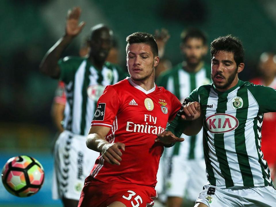 d5ae17a229 OFICIAL  Benfica empresta Jovic ao Eintracht Frankfurt por duas épocas