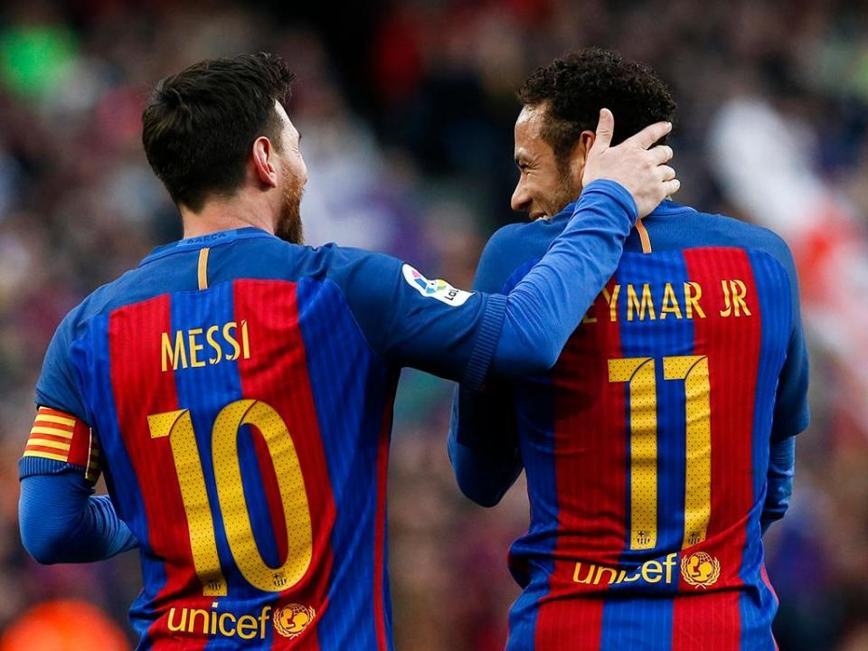 Espanha: Barça de novo na frente com goleada e «show» de Messi