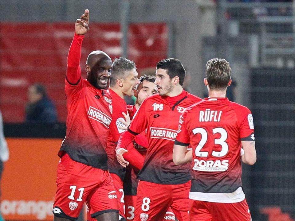 França: deu empate no Troyes-Dijon que estava em atraso