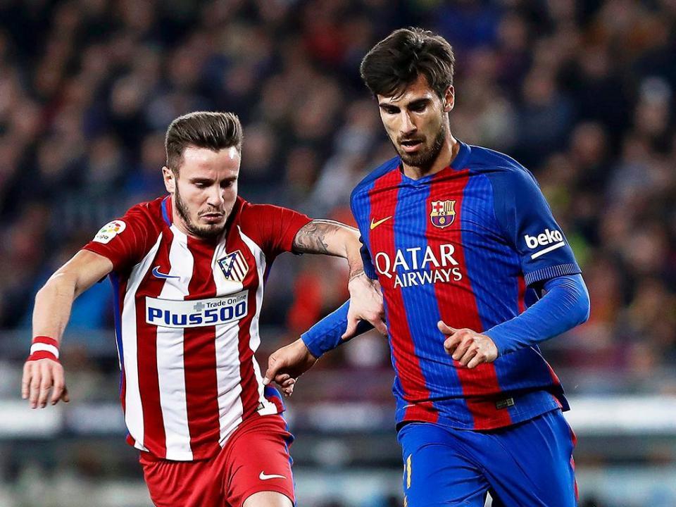 André Gomes falha treino do Barça devido a indisposição