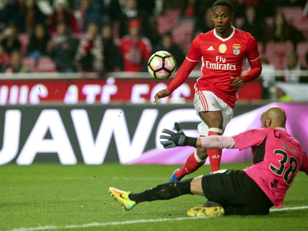 Carrillo emprestado ao Watford de Marco Silva