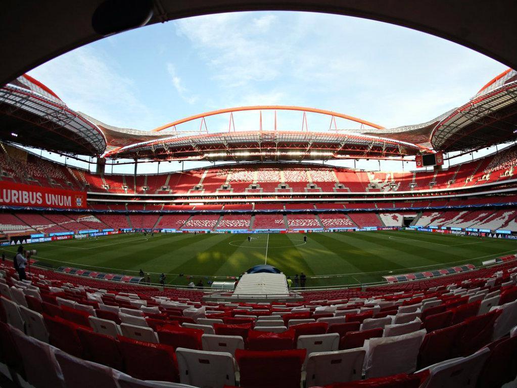 Benfica anuncia regresso da águia Vitória