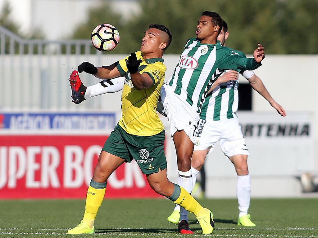 Paços de Ferreira bate V. Setúbal em jogo com muito vídeo-árbitro