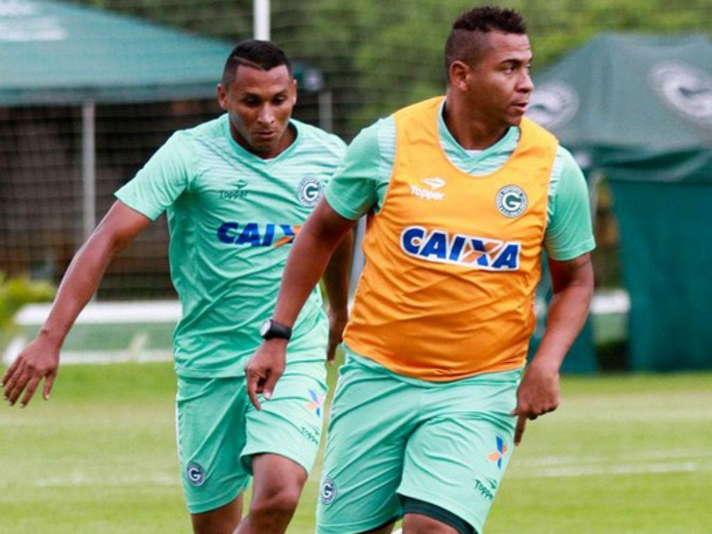 Walter suspenso pelo Goiás por cotovelada a colega — FC Porto
