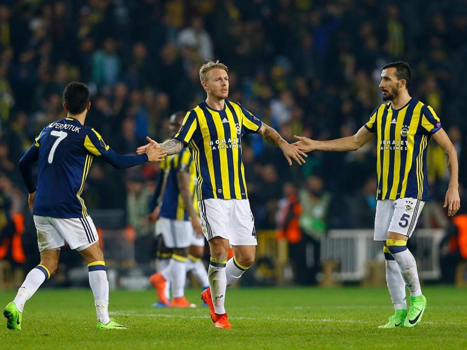 Turquia: Fenerbahçe elimina Varela da Taça com golo de ex-FC Porto