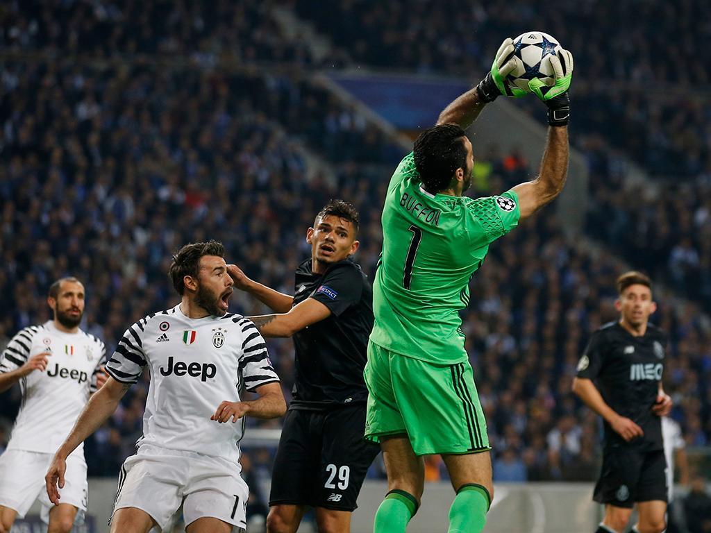 Buffon: «Tenho inveja de guarda-redes frangueiros»
