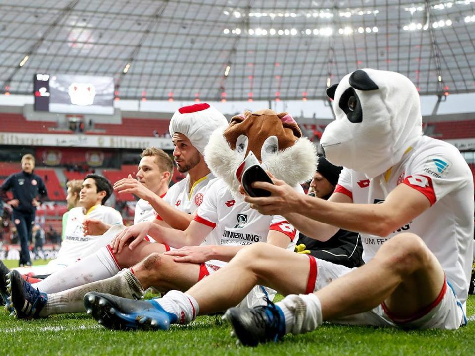 OFICIAL: Mainz despede treinador