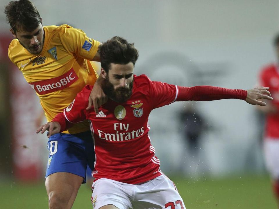VÍDEO: Rafa dá vantagem ao Benfica no Estoril