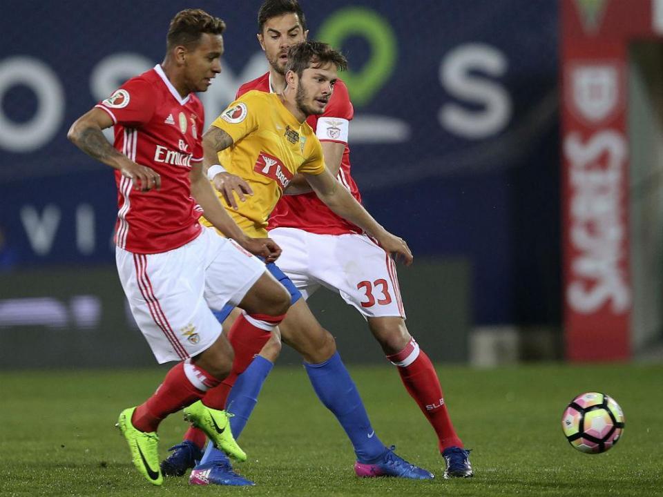 Benfica: Filipe Augusto é baixa por três semanas