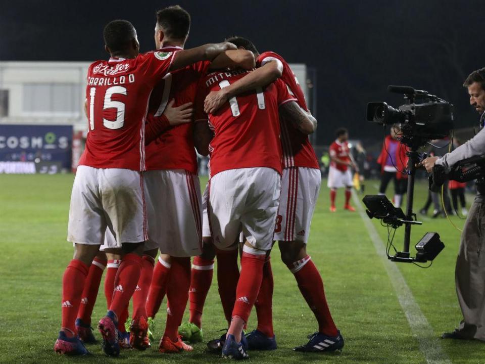 Dínamo Bucareste anuncia saída de dois atletas para o Benfica