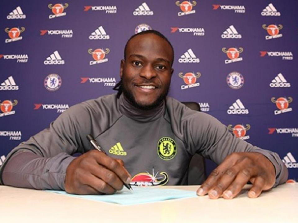 Chelsea autoriza Victor Moses a negociar com Fenerbahce