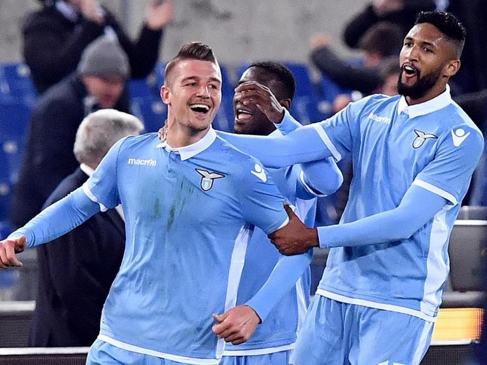 Itália: Lazio sobe ao quarto lugar com «bis» de Immobile