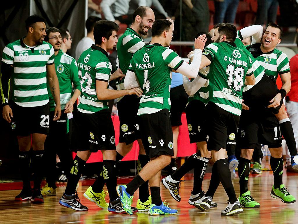 Andebol: Sporting vence Benfica na Luz