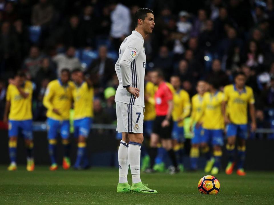Real Madrid: Ronaldo volta aos treinos e aponta a Nápoles