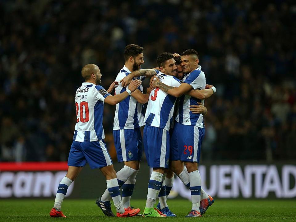 FC Porto multado por insultos da claque ao Benfica