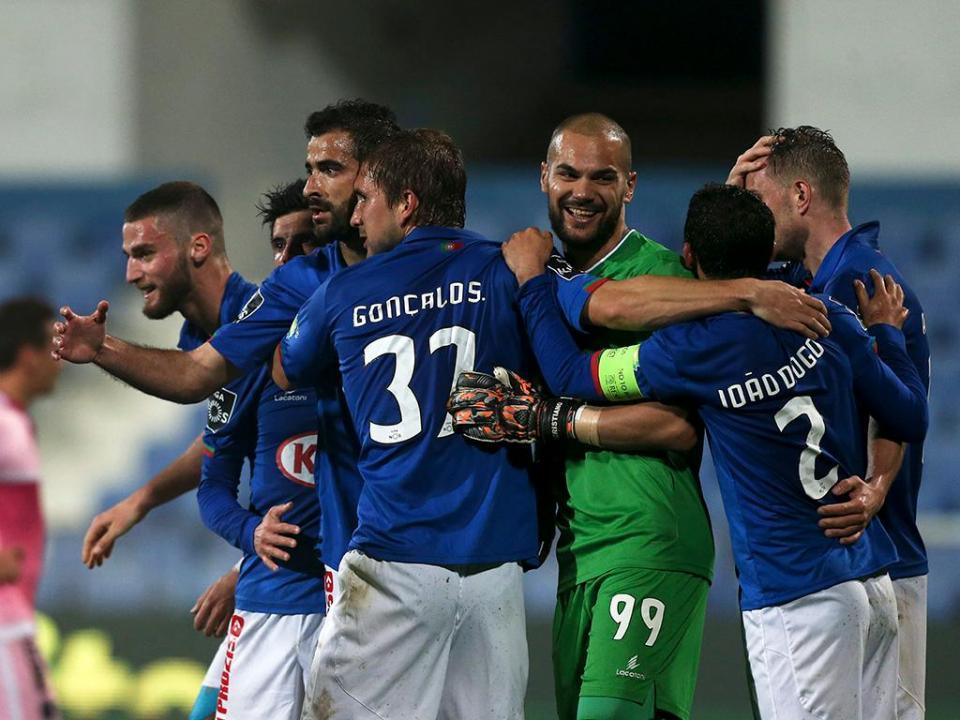 3a93dfcea5 Belenenses  Ventura e Gonçalo Silva de volta às opções