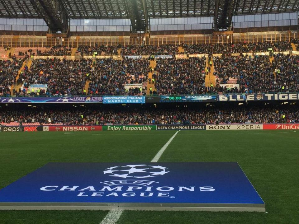 «Pedi à UEFA para jogar a Champions em Bari, pago mil autocarros»
